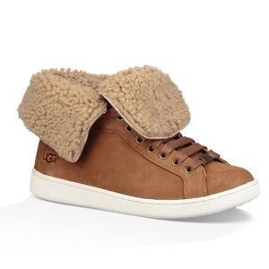 Ugg sneakers, like new, 8.5